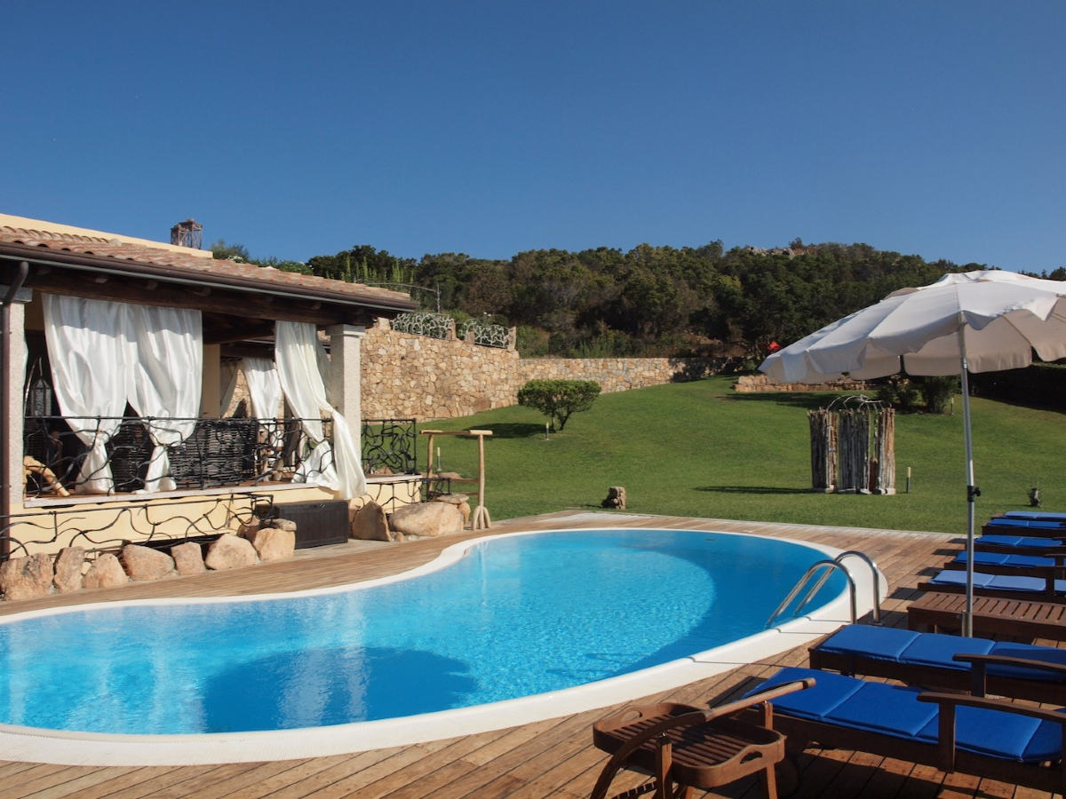Affitto case vacanza san teodoro villa con piscina a capo coda cavallo localit capo coda cavallo - Affitto casa con piscina ...