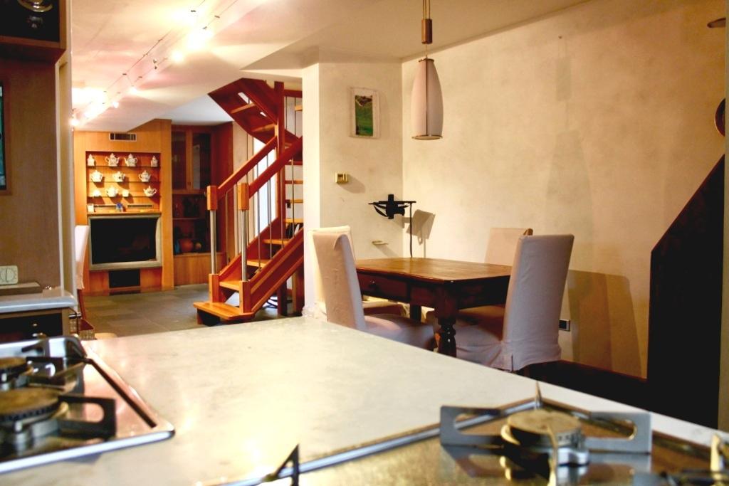 Villa in vendita a Cornaredo, 6 locali, prezzo € 370.000 | CambioCasa.it