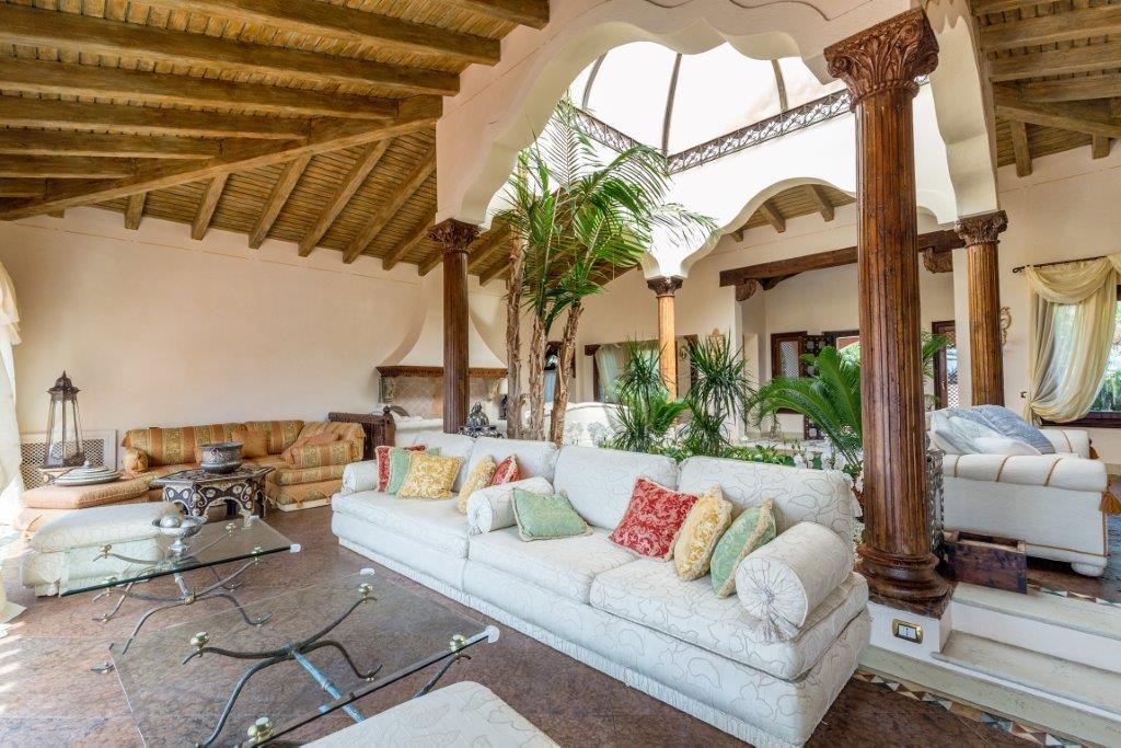 Affitto case vacanza arzachena villa confinante mare con for Case mediterranee della california